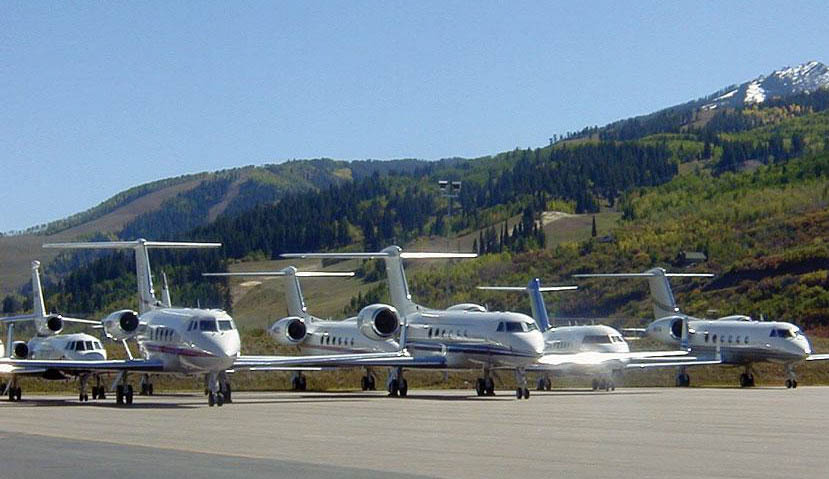 Private jet and aircraft charter listings for Denver, Aspen, Eagle-Vail, Colorado Springs and all other Colorado airports.